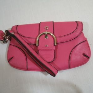 Pink COACH wristlet, NWOT no flaws